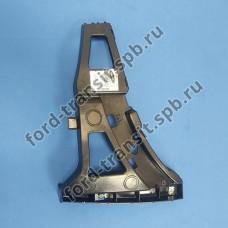 Кронштейн нижней части переднего бампера правый Ford Transit 2014-